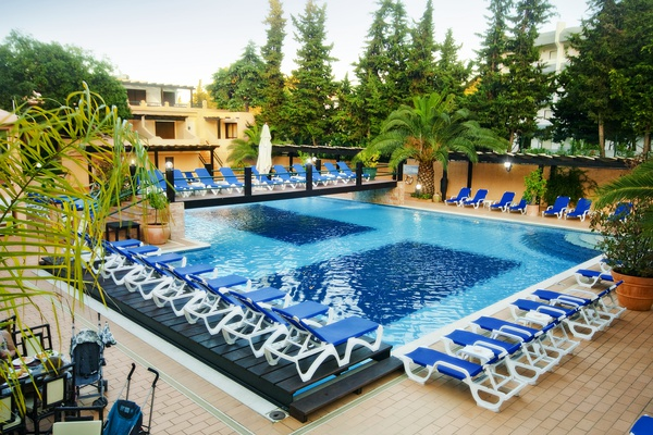 Swimming pool for adults and children hotel balaia mar praia maria luísa